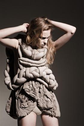 Motohiro-Tanji-Structure-Beige-Dress-DeNada