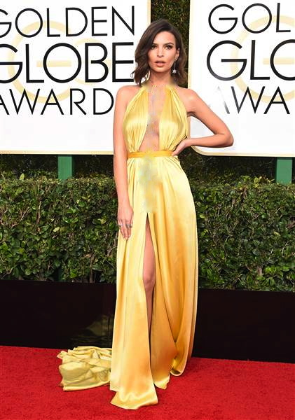 golden-globes-emily-ratajkowski-today-17018_6282b88c1e4f14a19981987465b5c311.today-inline-large.jpg